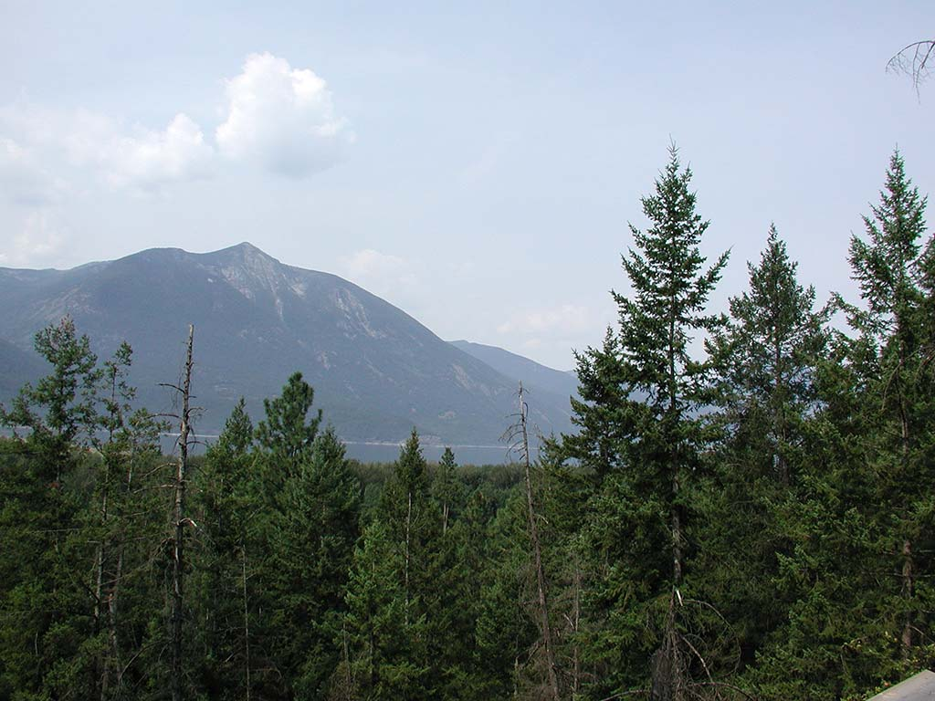 Quiet mountain retreat fsbo for sale property creston bc for Quiet waters retreat