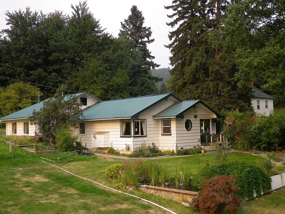 Creston Bc Real Estate For Sale Canada Private Homes Modern Residential Wiring 2 Houses On 19 Acres In Beautiful Erickson Relisted 04 27 2018 Just Updated