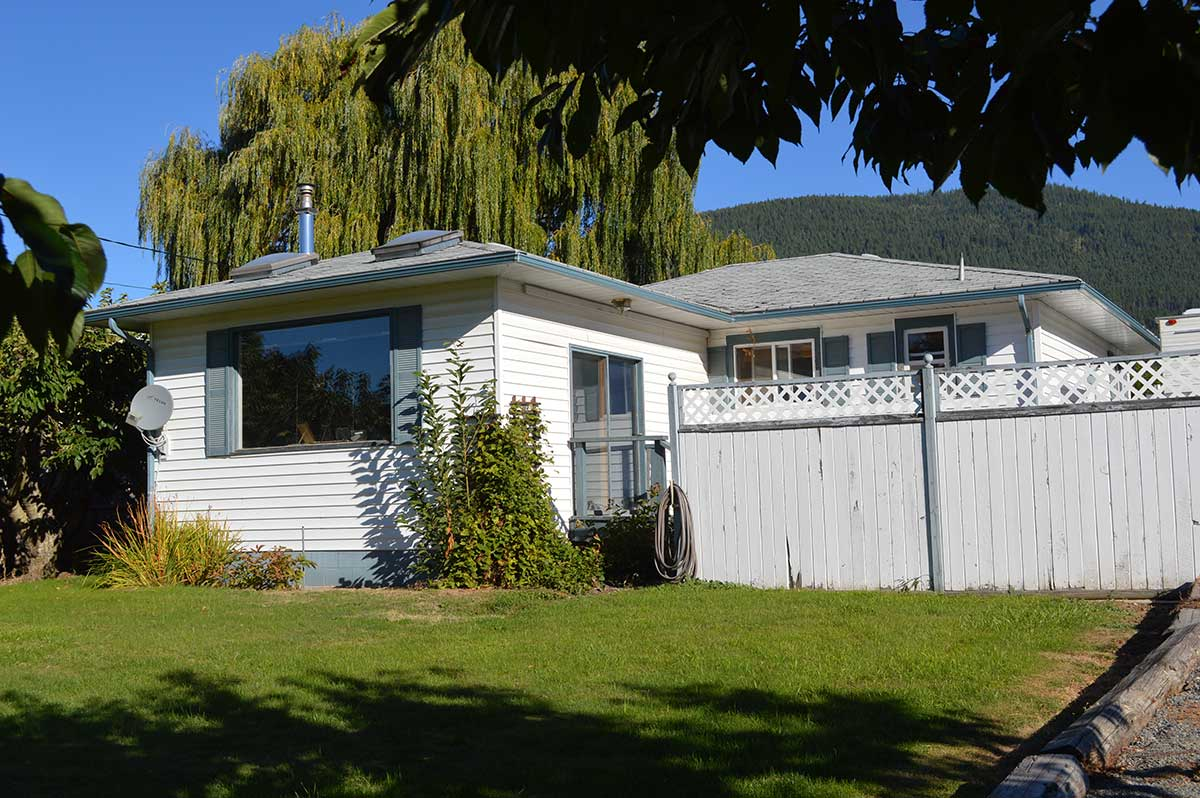 Creston Bc Real Estate For Sale Canada Private Homes Modern Residential Wiring Live And Work In The Beautiful Valley Listed 07 18 Just